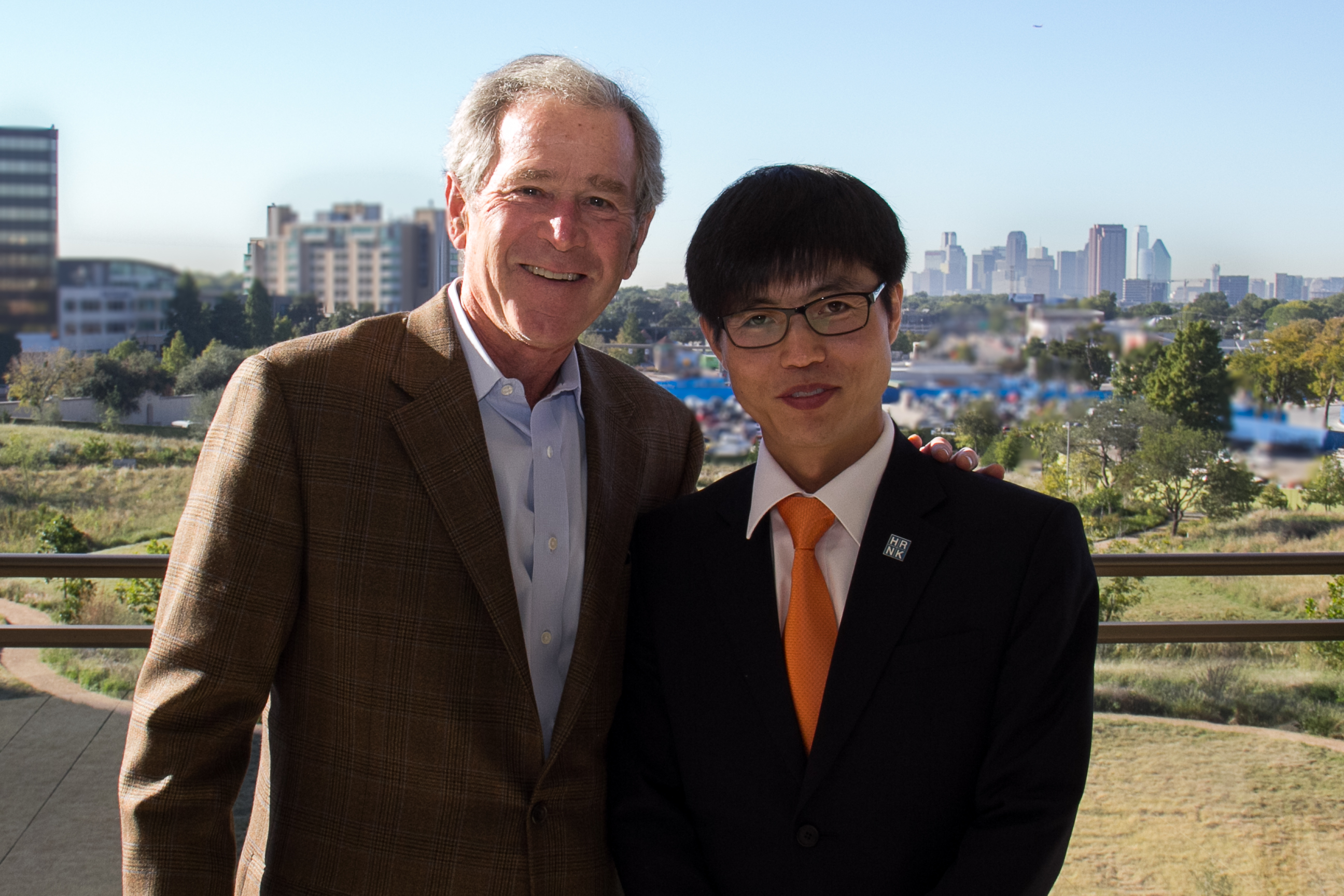 George W Bush Talked With Shin Donghyuk At Bush Presidential Center In  Dallas On 23 October Bush Asked Shin About His Life In And Escape From  Camp 14