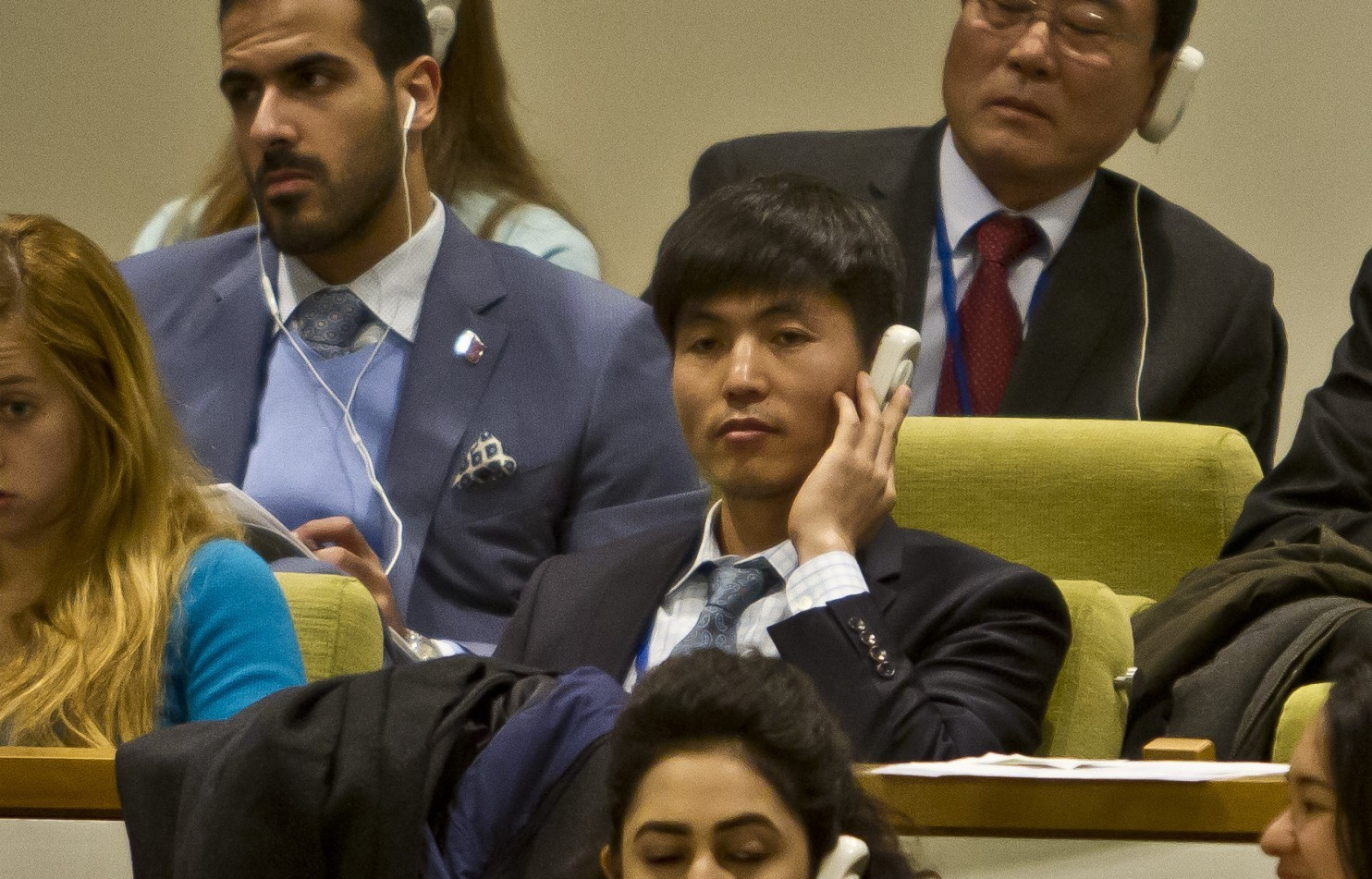 Shin at UN during vote on referral 11 18 14